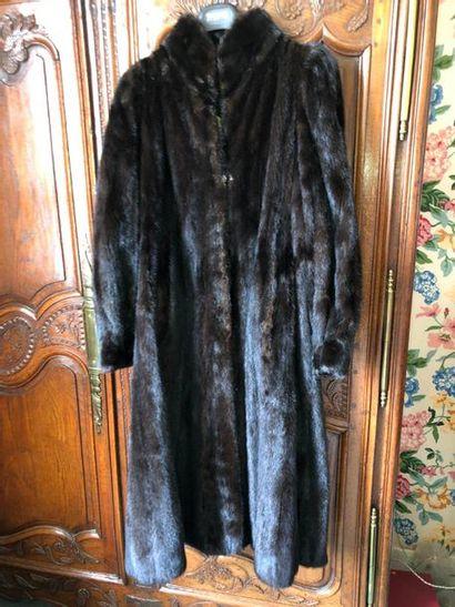 Manteau long en vison noir