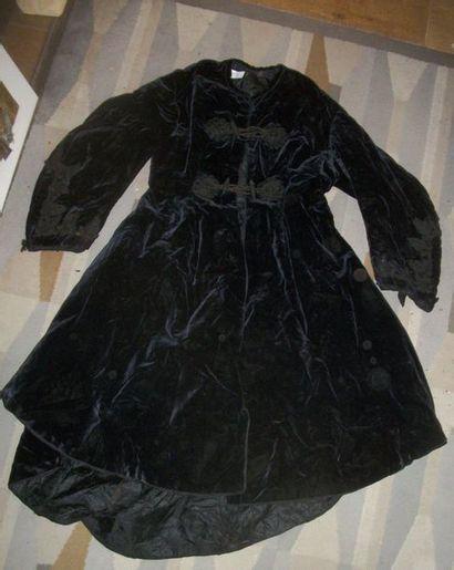Manteau de velours noir, fin XIXème siècle,...