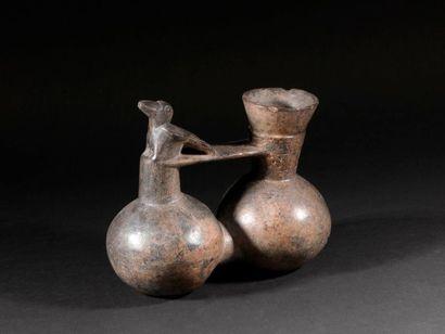 Vase à double panse grave d'oiseaux  Terre...