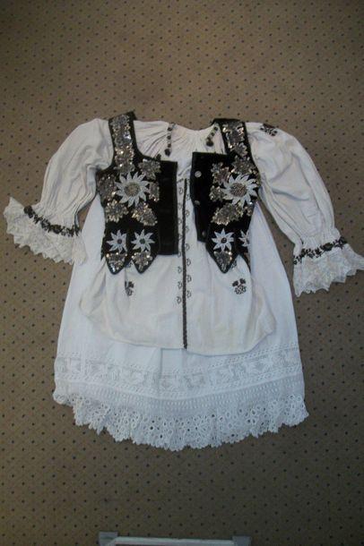 Jupe, chemise et gilet, Pologne, Zakopan,...
