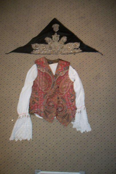 Quatre chemises et une coiffe, Slavonie,...