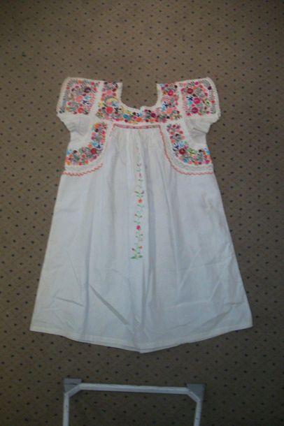 Robe ou chemise, Mexique, coton blanc brodé...