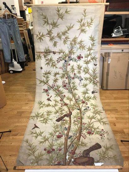 Lé de soie peinte, Chine, circa 1800, fond...