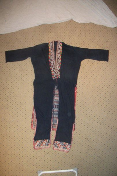 Manteau Yao, Chine, coton indigo et broderies...