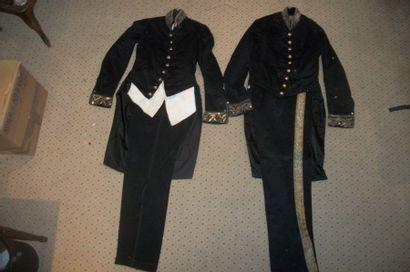 Deux uniformes civils, époque Napoléon III,...