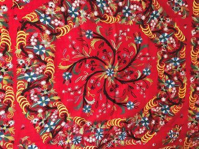 Carré, Inde, pashmina rouge brodé au point...