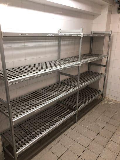 3 étagères doubles alimentaire + 3 chariots...