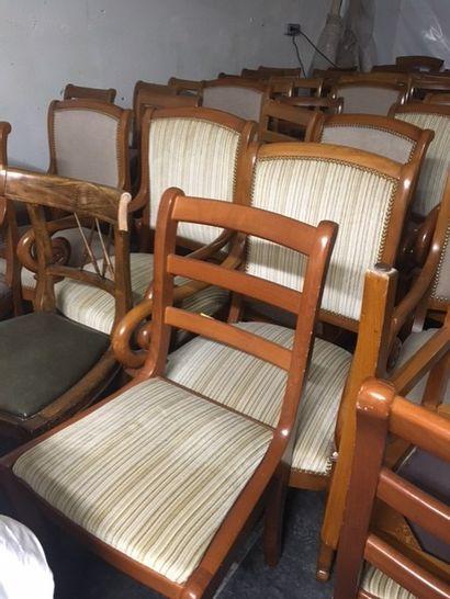 Suite de 24 fauteuils de Style EMPIRE