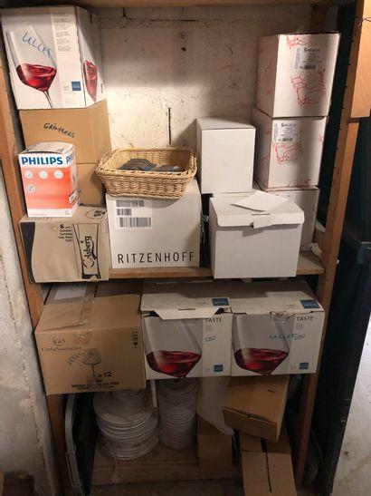 Important lot de verres (à vin, orangeade,...
