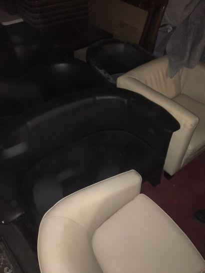 lot de 5 fauteuils à dossier enveloppant...