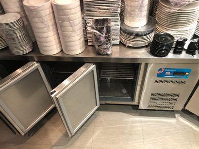 Tout réfrigéré inox 3 portes CORECO