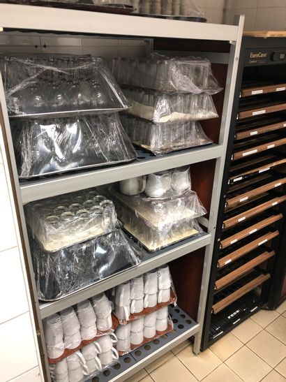 1 food shelf with 4 trays and its contents:...