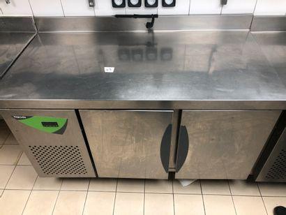 THIRODE two-door refrigerator cabinet;