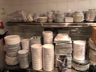 Important lot de partie de service de table...