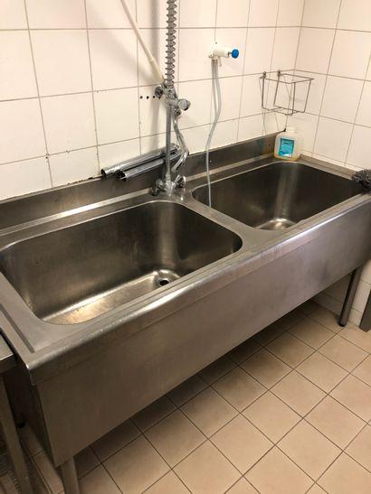 Dip 2 basins with mixer tap