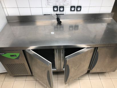 THIRODE refrigerating cabinet with three...