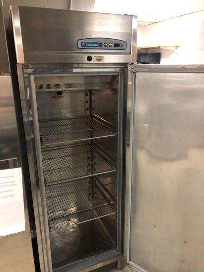 CORECO réfrigérateur. Dimensions : 200 x...