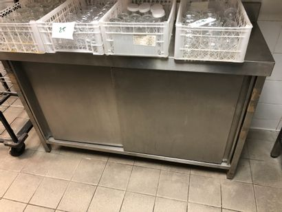 Buffet 2 portes coulissantes inox + A étagère...