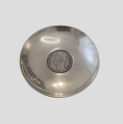 COUPELLE circulaire en argent (min 800‰)...