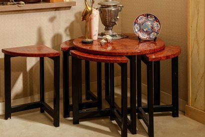 1 table basse gigogne, de forme ronde  6...