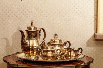 Beau service à thé et à café en porcelaine...