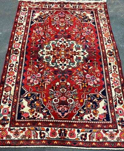Grand tapis Nahavan (Iran) vers 1975.  Dimensions...