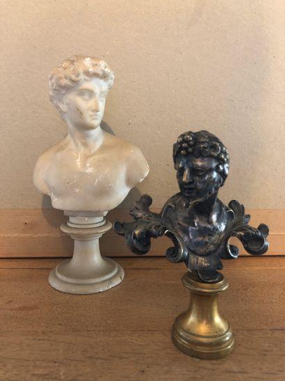 Bacchus, buste en bronze argenté sur piédouche...