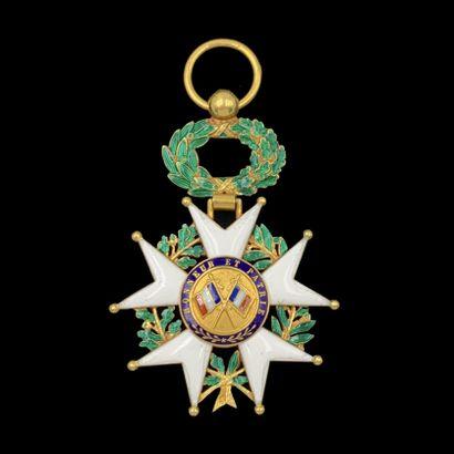 """MEDAILLE """" Légion d'Honneur """" en or jaune (750‰) orné d'émail bleu, blanc, rouge..."""