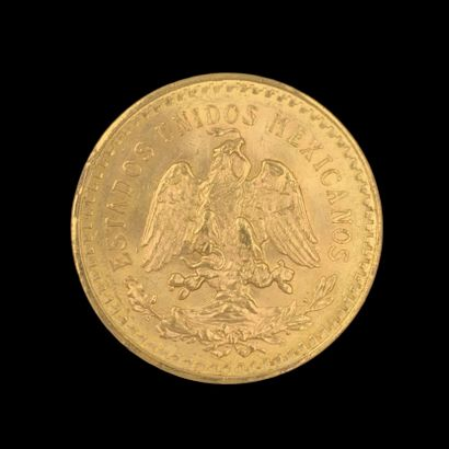Une PIECE de 50 pesos en or jaune (900‰), datée 1947. Poids: 41,77 g.
