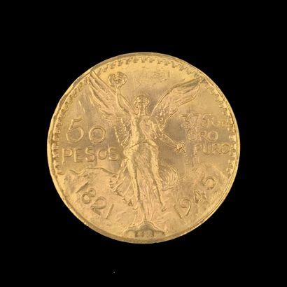 Une PIECE de 50 pesos en or jaune (900‰),...