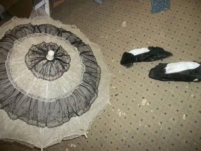 Paire de chaussures de bal, fin XIXème siècle,...