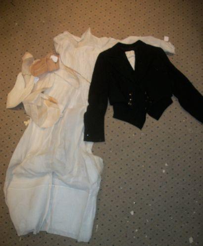 Spencer et gilet de laine noire pour enfant...