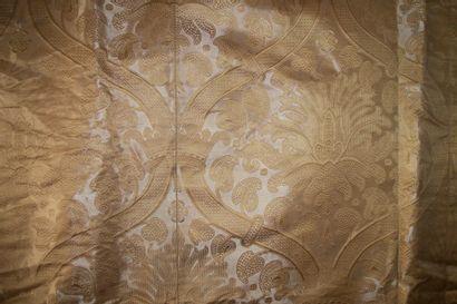 Panneau de brocatelle, style Renaissance,...
