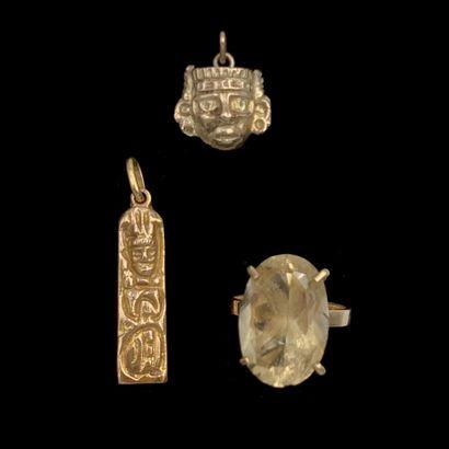 LOT en or jaune (375‰) 9 carats, comprenant...