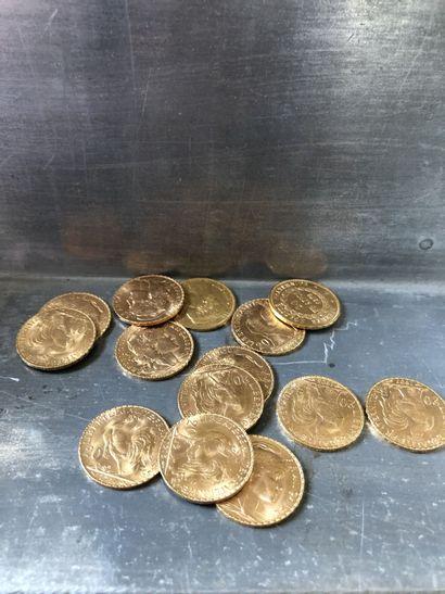 Réunion de 14 pièces de 20 francs or (dont...
