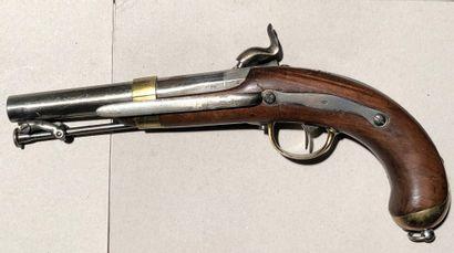 Pistolet à percussion de marine modèle 1837....