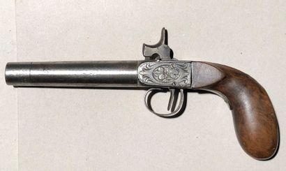 Pistolet de braconnier.  Fort canon rond...