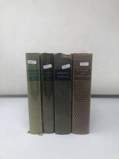 Lot de livres divers brochés dont :  - quatre...