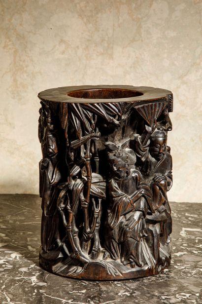 CHINE :  Porte-pinceaux dit Bitong en bois...