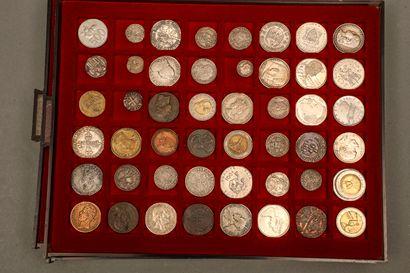 Lot de 156 monnaies françaises et étrangères Italie, Espagne, Angleterre, Pays Bas,...