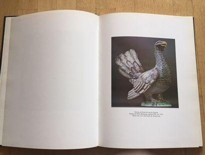 LES FAIENCES ET PORCELAINES DE STRASBOURG. HANS HAUG Editions Jean-Pierre Gyss,...