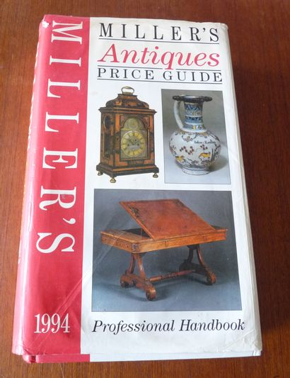 A COLLECTOR'S HISTORY OF ENGLISH POTTERY....