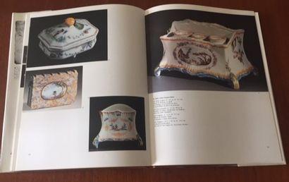 FAIENCES DE ROANNE. Histoire d'une recherche par René Mancey et Jean Broisin. Editions...