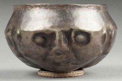 Coupe cérémonielle utilisée par les shamans...