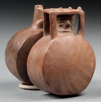 Vase à double panse en forme de fût. L'une...