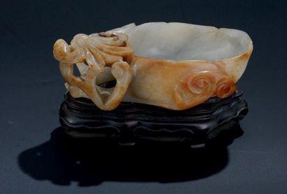 COUPELLE FLORALE en agathe Chine H: 3,5 cm...