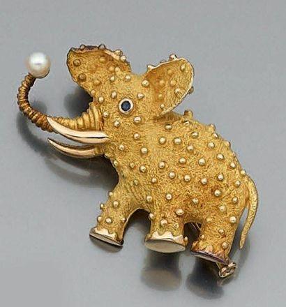 BROCHE «éléphant» en or jaune (750 millièmes)...