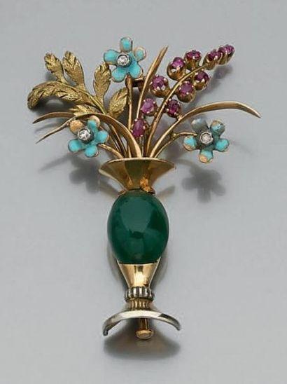 BROCHE «vase» en or jaune (750 millièmes)...