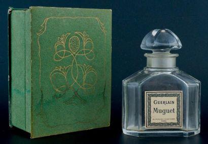Guerlain «MUGUET» Flacon en cristal de Baccarat, modèle bouchon quadrilobé, siglé...