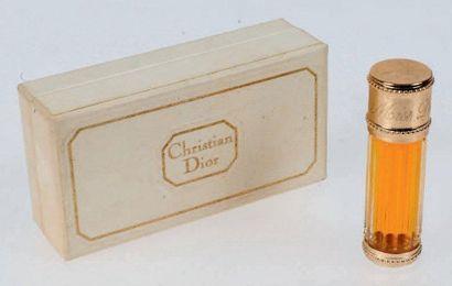 CHRISTIAN DIOR «MISS DIOR» Flacon en verre, modèle de sac. PDO. Dans son coffret...
